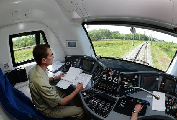 как стать машинистом поезда