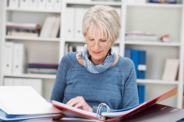 Как заработать на пенсии дома сидит