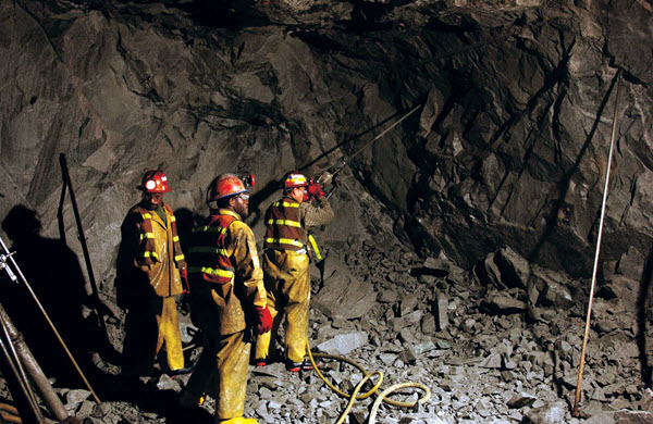 Кто связан с профессией шахтера