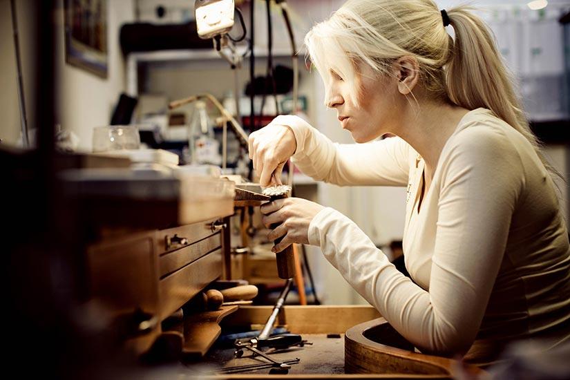 Работа для девушки интроверта работа для девушек в нефтеюганске