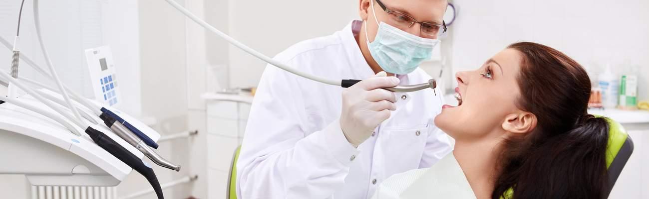 Обязанности стоматолога хирурга – что он знает и что делает